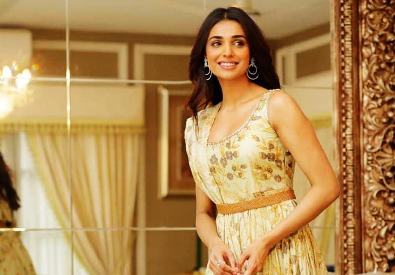 Actress Amna Ilyas