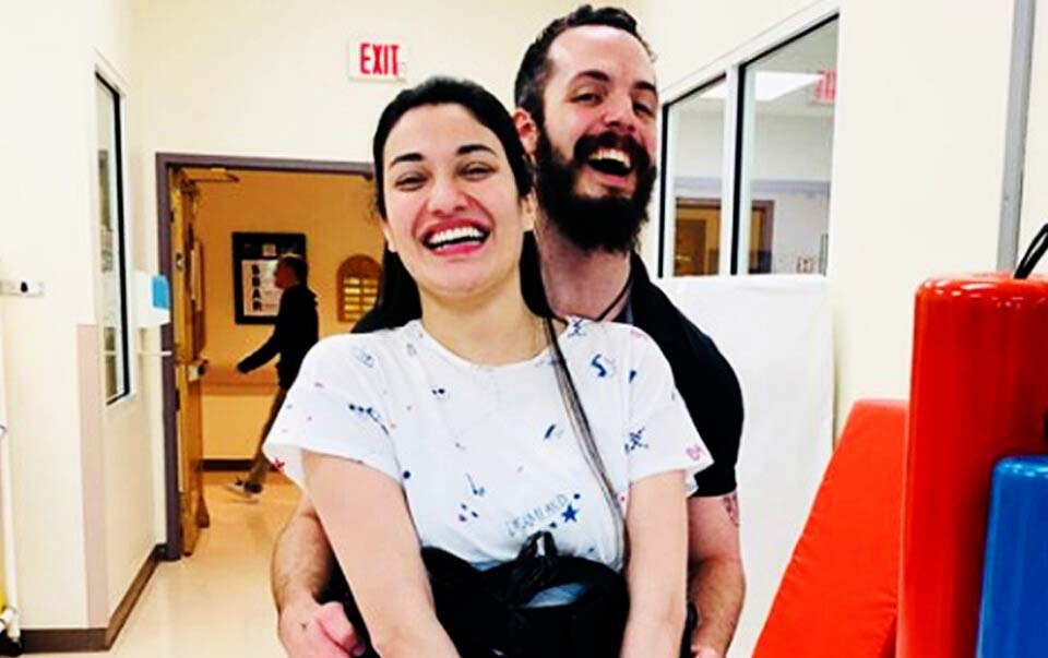 Who is Muniba Mazari Husband