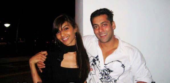 Indian Celebrities affairs with pakistani celebrities