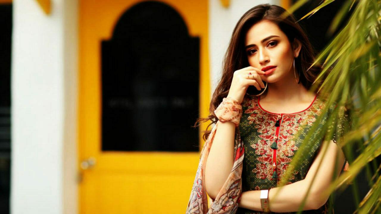 Sana Javed pics